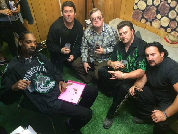 Dreams come true at #PembyFest! Finally had a sesh with @SnoopDogg AND @trailerparkboys! @SWEARNET http://t.co/CJglHePnSR