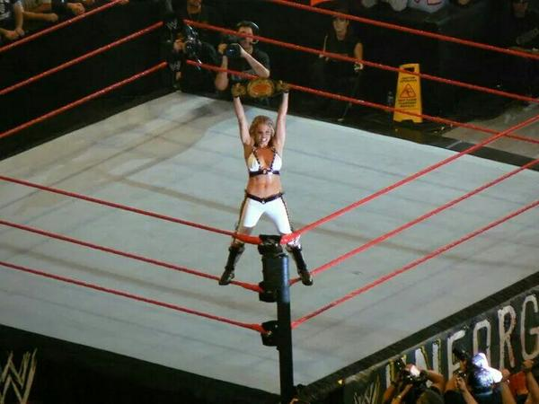 @trishstratuscom @SirStevenThe1st Here's one I took apparently at the same time from the other side and higher up. http://t.co/GGCVJJTiDc