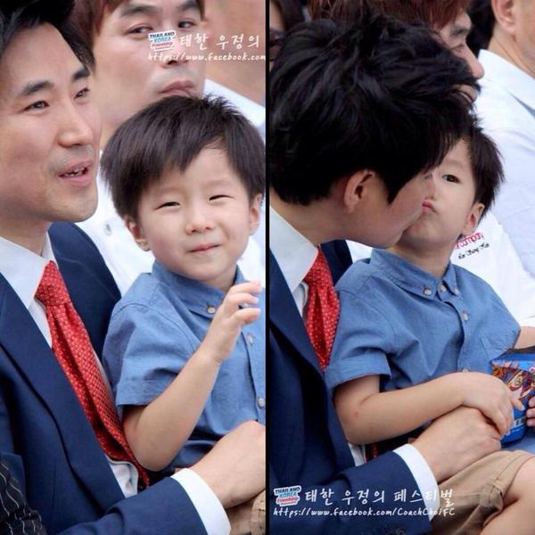 """จิ้มลิ้มมาก!! """"เชชุนมิน"""" ลูกชายตัวน้อยของ """"โค้ชเช"""" #โค้ชเช #Springnews http://t.co/PPzFgoLN6S http://t.co/5Do1oVOtFv"""