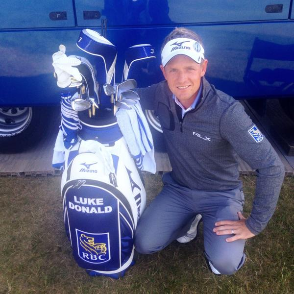 Last day to win my signed #Mizuno golf bag. RT this or tweet #RBCDonald as many times as you like. #RBCDonald http://t.co/IHthPCYp9b
