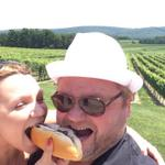 RT @galenglenwine: Congrats to Reid Mosley our winner in the selfie contest. Great shot of @lovehotdogco & vineyard. #LehighValley #wine http://t.co/shnviErkKp