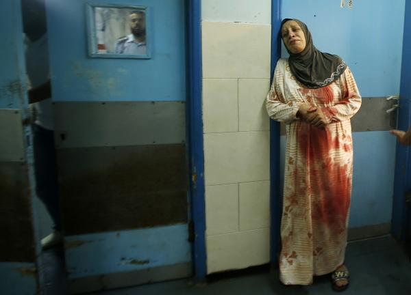 """@in_focus: Bloody Weekend in Gaza - 42 photos of the conflict in #Gaza - http://t.co/FrHbccXgrh (graphic) http://t.co/pgzUzPyrMi"" OMFG"