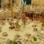 Beautiful vintage crockery, apple placecards, completely relaxed atmosphere. Ready for guests... #wentbridgehouse #1D http://t.co/x0nTmJ4ntx