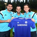 There was also time for a quick pic with the new boys Diego Costa, @cesc4official and @filipeluis... #CFC http://t.co/P2o2fNVeE4