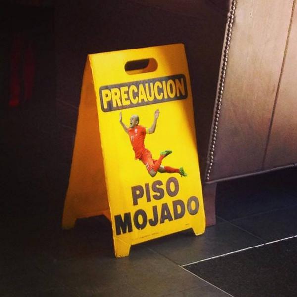 nuevos avisos de suelo mojado en México - by @davidnavarro http://t.co/fThTagiVvd