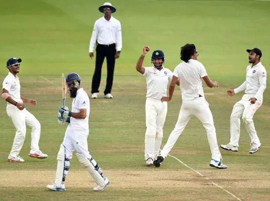 Congratulation to team India on their hysterical win after 28years against england in lord,s#/18kholi http://t.co/qy5C3td5rL