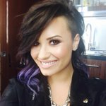 aw her haircut looks gorgeous!! https://t.co/LUAr8TRIZA #DemiLovato
