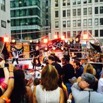 RT @NMoralesNBC: #5SecondsofSummer rockin the Plaza... huge crowd here @TODAYshow! http://t.co/UW0XEjMSpp