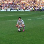 .@jamesdrodriguez steps onto the pitch of the Santiago Bernabéu for the first time. #WelcomeJames http://t.co/SwFq0uvV2V