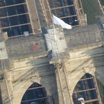 RT @TomKaminskiWCBS: From @wcbs880 Chopper 880: NYPD investigating how US flags were switched with white flags atop Brooklyn Bridge... http://t.co/MUSCfdX41R