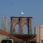 RT @CBSNews: Mysterious white flags appear atop Brooklyn Bridge - http://t.co/dM293urYG3 http://t.co/eeJpn7fxW6