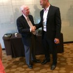 Coach Snyder catching up with #KStateFB alum Ben Leber at #Big12FB Media Days http://t.co/tNdvLVGDLr