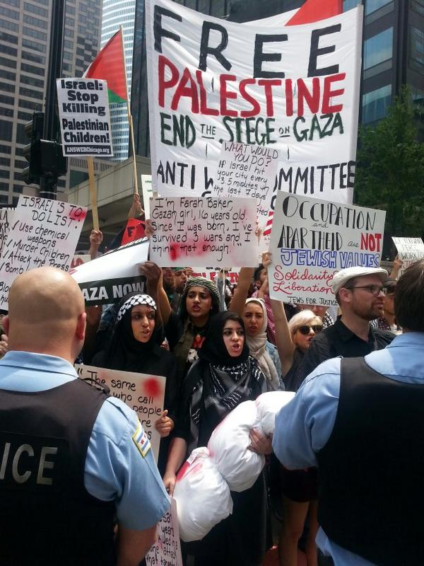 Palestinian voices over weak israel noise. Chicago once again stands with Palestine. #FreePalestine