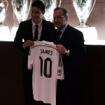"RT @DiarioLaPrensa: El colombiano James Rodríguez junto al presidente del Real Madrid, Florentino Pérez. James usará la ""10"". http://t.co/XOlGHiRRVi"