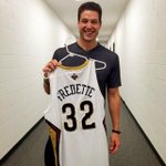 RT @BYUbasketball: You look good with that No. 32 @jimmerfredette!! #Jimmer #Pelicans #BYUhoops http://t.co/zr4sZj1JYJ