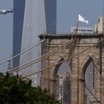 RT @YahooNews: PHOTOS: An NYPD helicopter inspects white flags placed on the Brooklyn Bridge by @gombert http://t.co/wnIJX4KhjP http://t.co/zF5hwiRYD1