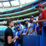 RT @SNBarryDavis: Throwing out the first pitch tonights #bluejays game: Milos Raunic, who also took some time to sign for fans http://t.co/E4mmC8KiB4