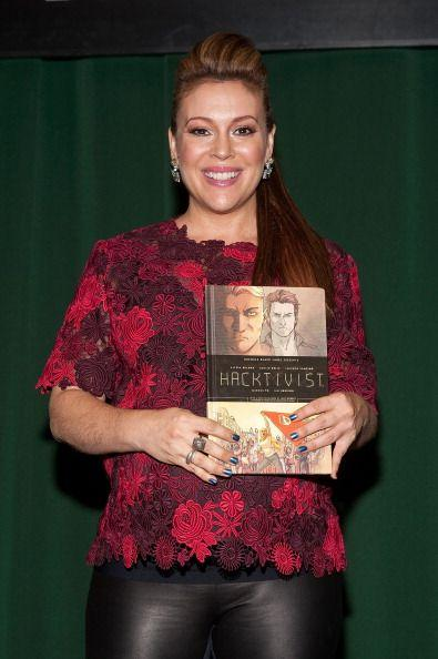 Love this one! @Alyssa_Milano #HACKTIVIST /via @JJWNJ http://t.co/vjCqYFrXKC
