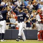 Brewers: Jonathan Lucroy walk-off home run beats Cincinnati http://t.co/lAaUCQgAub http://t.co/ecYdAmdrsQ