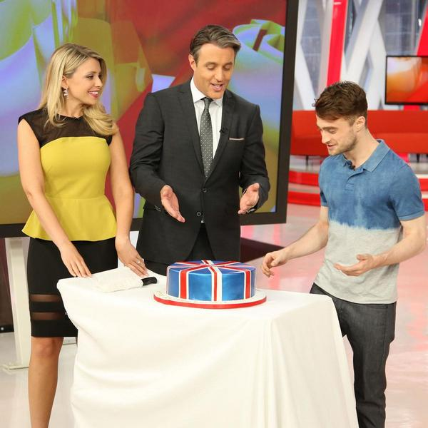 Here's Dan having a bit of an early celebration on @etalkCTV this week!  #HappyBirthdayDanielRadcliffe http://t.co/spMUou158x