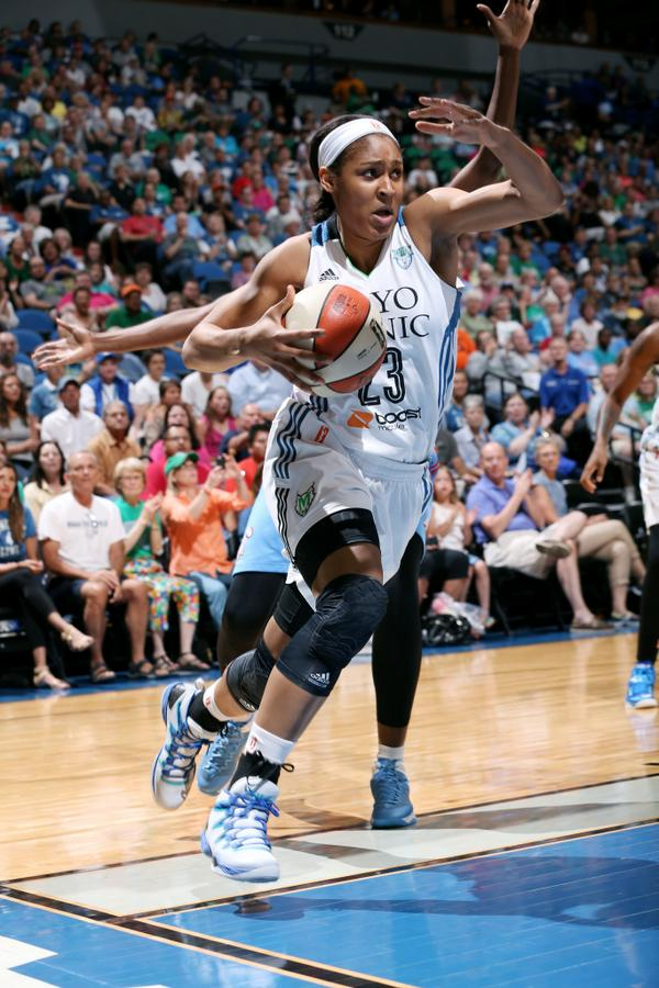 Maya Moore scores 48 points in 2OT win for Minnesota Lynx, 2nd-most in WNBA history. Moore: 16-30 FG, 7-9 3-pt FG.