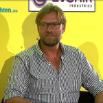 "Klopp About Mats Hummels To Man Utd: ""If That's Not A Bullshit Story, I'll Eat A Broom Stick"" http://t.co/8fhmQnUNVv http://t.co/aA4T0ISzZx"