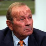 RT @SportsCenter: This Just In: Longtime Denver Broncos owner and NFL icon Pat Bowlen steps down due to Alzheimers. (Via @denverpost) http://t.co/KHs5QKJeXN