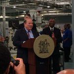 Let the job creation begin. Manufacturing research hub to open in #detroit @MayorMikeDuggan, #almmii, #umich announce http://t.co/Xsq5VrLLun