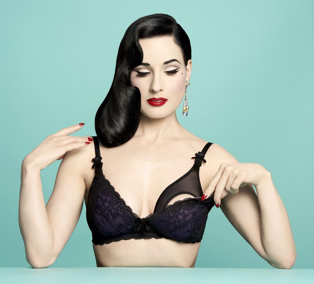 Dita Von Teese @ditavonteese: Von Follies maternity collection: http://t.co/ItiUDxbN1r http://t.co/CsokdDcqdD