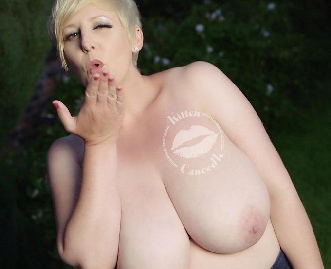 Busty Blonde does Topless Star Jumps NEW CLIP http://t.co/WYYdAFurMh #BigNaturals #BigTIts #TitFetish