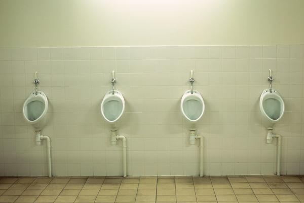 Homem urina sangue, vai ao médico e descobre que é mulher: http://t.co/AcTDqdbSZu http://t.co/B0fV9IyLIX