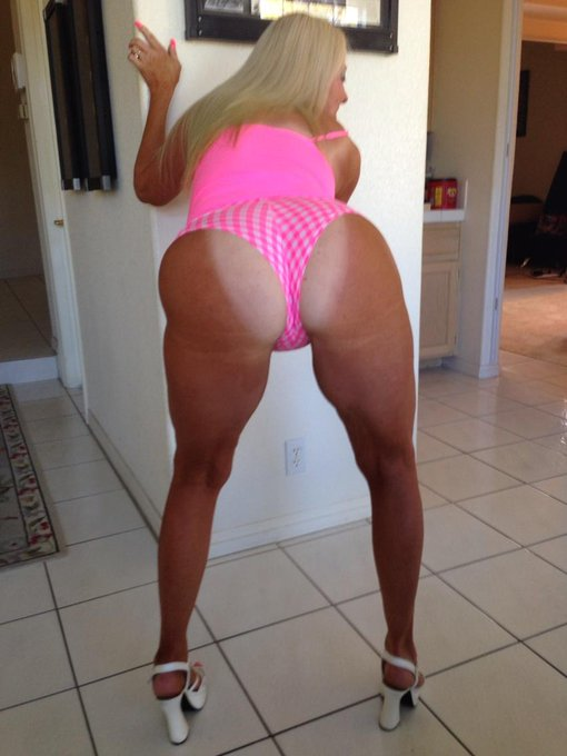 #asswednesday #pawg I'll bend over. You can drive! #tanlines http://t.co/pVQeBs0xKq
