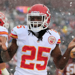 RT @BleacherReport: Report: Jamaal Charles and @KCChiefs agree to 2-year extension making him 2nd-highest paid RB http://t.co/8jnaRflvfM http://t.co/aofYpWrJrm