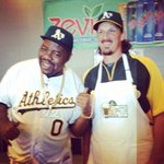 Too cool: The @Athletics had @BizMarkie help out with root beer float day. https://t.co/Ma3kVMB9Cy
