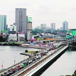 Fee imposed on foreign vehicles entering #Johor from #Singapore likely to be more than S$20. http://t.co/vArWjaKTrz http://t.co/fo1OEx0zbe