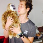 Me with my pet gibbon ❤️ http://t.co/wiXxVJZkhd