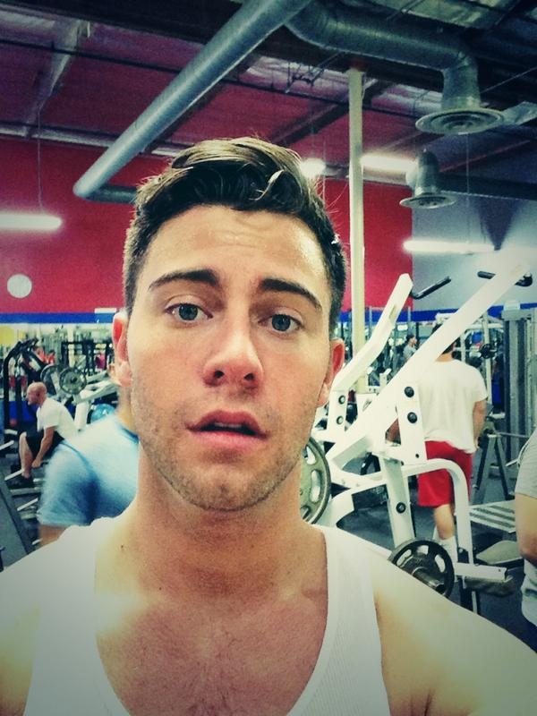Seth Gamble (@SethGamblexxx): The heat and working out today kicked my ass http://t.co/orHCnx5Ijd