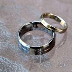 RT @CiCiFanCBC: Help a Regina woman find her deceased husbands wedding ring, stolen out of her SUV. Info on @CBCSask fb page #skcbc http://t.co/lRvA9ORnj8