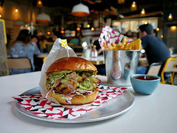 RT @londoneating: The @wahaca team open @DFMexicoDiner at @trumanbrewery today at 11.30. Swing by for tacos, tortas, burritos & more. http://t.co/8bGLRdTKwF