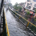 #Krishnabaug #Maninagar full of water #Rain #Ahmedabad http://t.co/Hang0Lg0dI