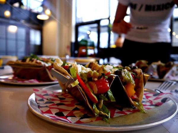 RT @Newopenings: OPENING TODAY: The team behind @wahaca launch their new brand @DFMexicoDiner at the Old @trumanbrewery. http://t.co/UHbKrT…