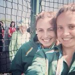 RT @DailyMailUK: The Queen photobombs a selfie at the Commonwealth Games http://t.co/TUCwqryjkx http://t.co/zPFkshSM27