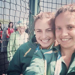 RT @TBWALONDON: Surely the best photobomb ever? #CommonwealthGames http://t.co/XVNUPsZF1S