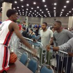 RT @ITVHughes: Antonio Blakeney chatting with fans. #aaulouisville http://t.co/uoXKJNpgos