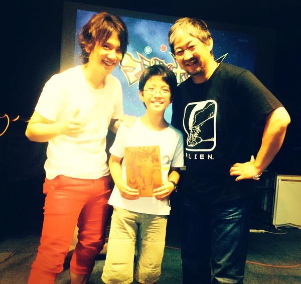 ♪KENN♪この前アニメ『マジンボーン』の現場に小学生の新聞記者さんが取材に来て下さいました!監督と一緒に取材を楽しく受