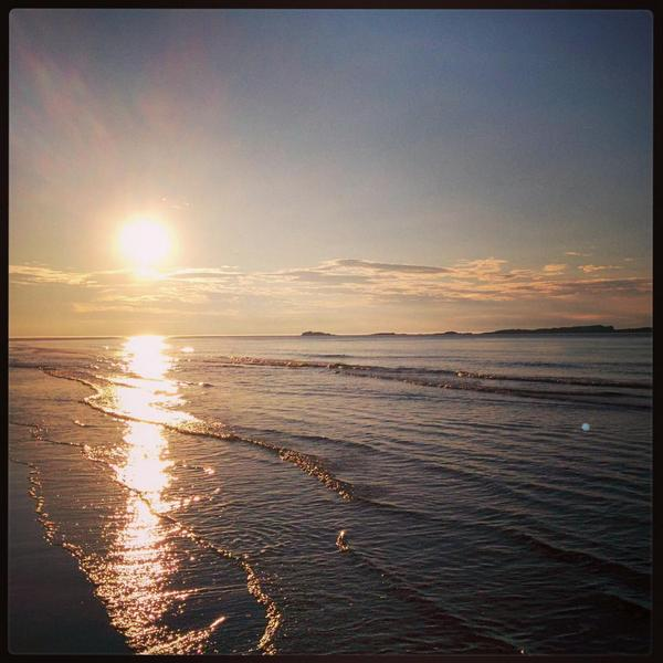 @barrabest Sunset over the East Strand in Portrush last night! http://t.co/FNwOEH8hi8