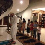 #ShahidAfridi during Salah with the #Children! Be the best example for your Children! :) #Pakistan @SAfridiOfficial http://t.co/sel9a87kQ8
