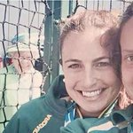 RT @guardian_sport: Commonwealth Games: Queen photobombs hockey player's selfie #Glasgow2014 http://t.co/0Gjg8rk0Om http://t.co/E0S191fSPW