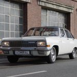 It's #ThrowbackThursday with the Admiral V8 Classic Rallye. We love old school Opel pics, how about you? http://t.co/MdAUUbi46c