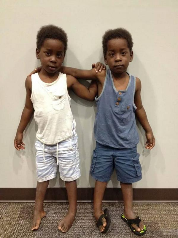 Please RT: 2 little boys found at 3am wandering around Gainesville. If you recognize them contact @GainesvillePD. http://t.co/eW7u3pdIDE